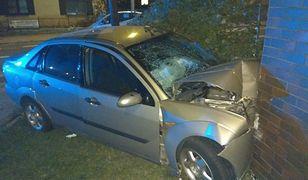 Pijany kierowca wjechał w budynek