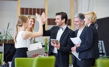 Nowa święcka tradycja w firmach. Wigilijne spotkania integrują pracowników