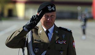 Koronawirus. Były dowódca sił zbrojnych gen. Mirosław Różański apeluje do premiera
