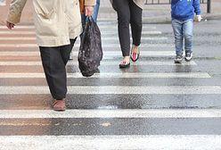 Warszawa. Potrącił 13-latkę na przejściu dla pieszych. Poszkodowana trafiła do szpitala