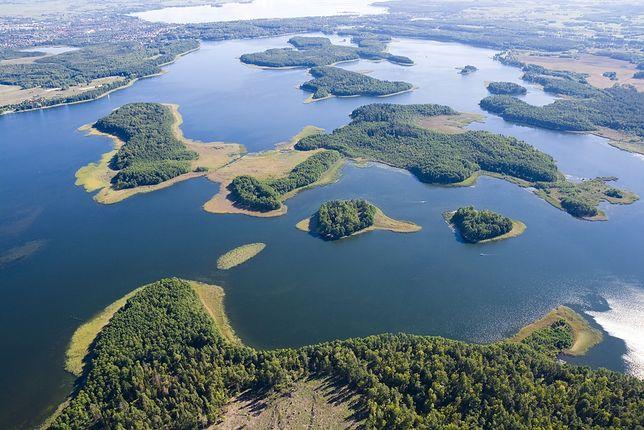 Na terenie jeziora Kisajno znajduje się 15 malowniczych wysp