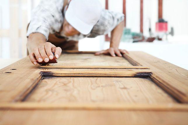 Renowacja starych drzwi jest prostsza niż myślisz