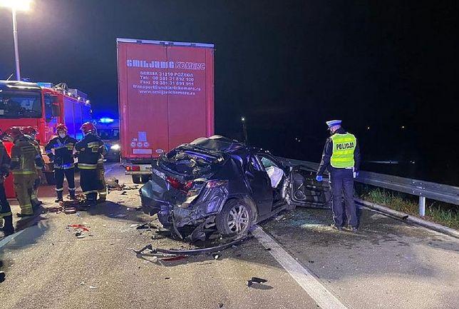 Wypadek na A1. Zderzenie trzech aut. Nie żyje 50 latek