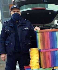 Śląsk. Dziewczynki nie znalazły prezentów pod choinką. Policjanci z Żor uruchomili lawinę pomocy