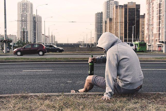 Śląsk. Pijany 19-letni mężczyzna w Tychach nie potrafił wytłumaczyć kradzieży.