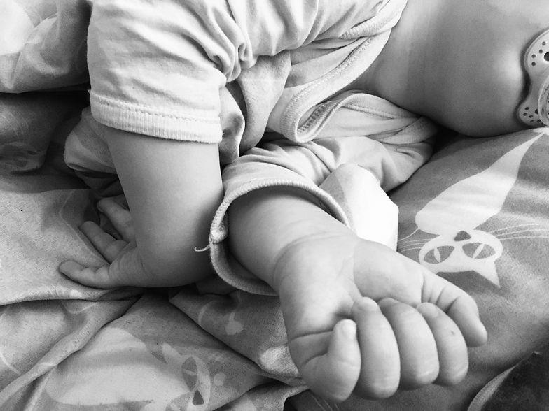Mama w nocy karmiła dziecko. Tragedia na Podlasiu