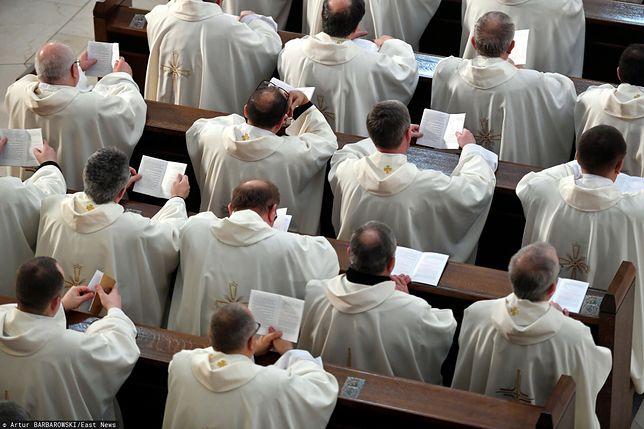 Sondaż dotyczący rozwiązania problemu pedofilii w Kościele