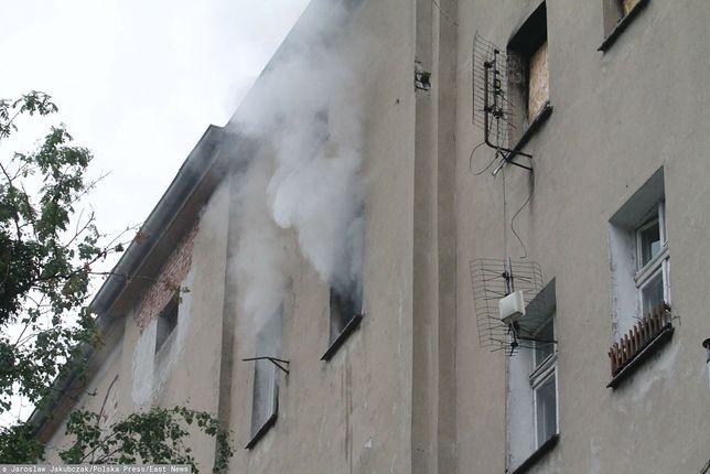 Jawor. W pożarze mieszkania zginęła jedna osoba / foto ilustracyjne