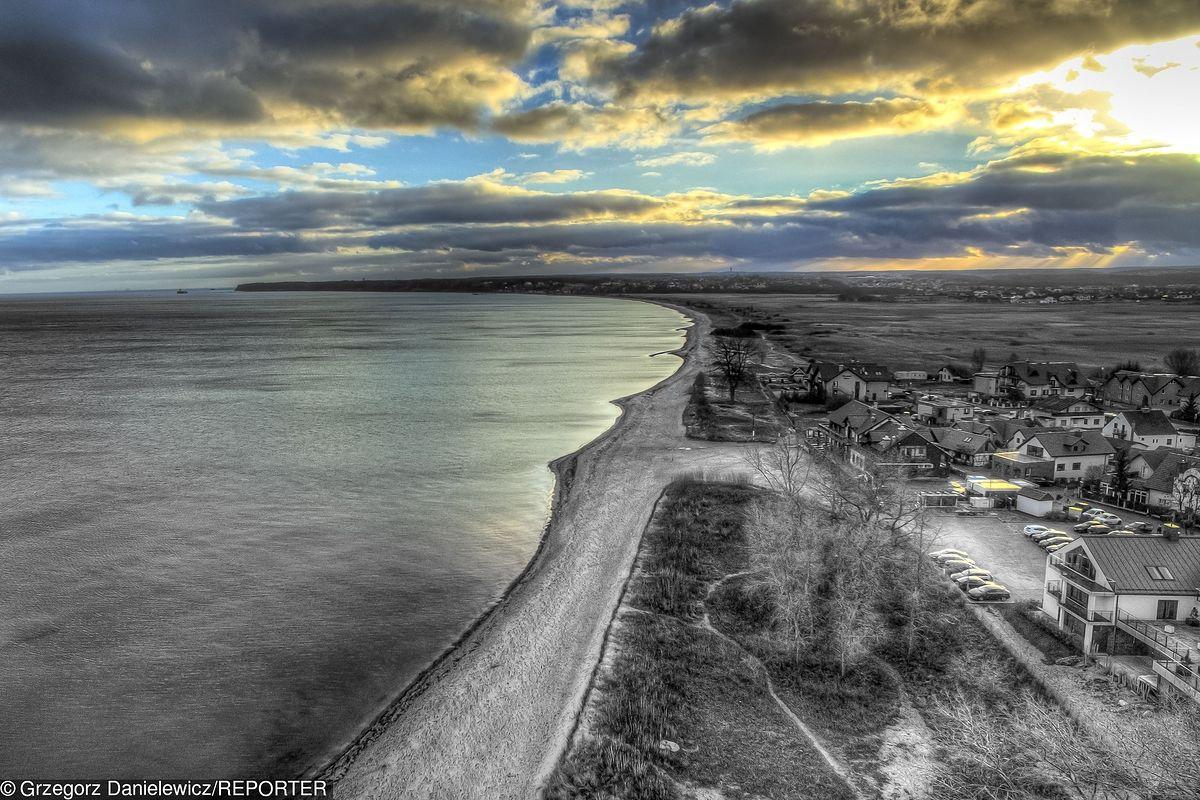 Zatoka Pucka. Dziesiątki martwych łabędzi. Ekolodzy: to efekt skażenia