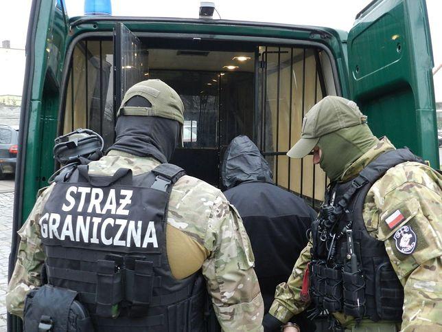 Siedem osób oskarżonych o nielegalny przerzut cudzoziemców