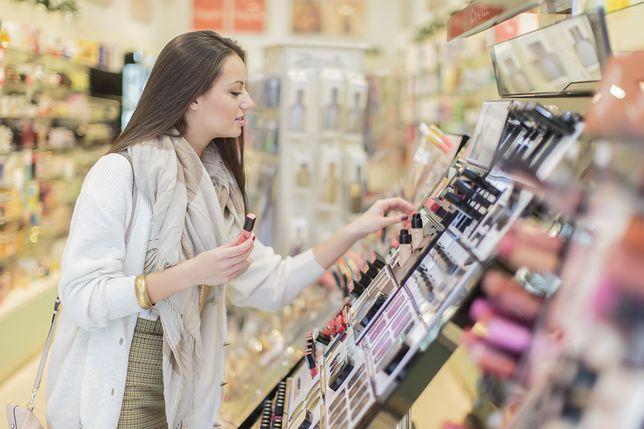 Październikowe promocje na kosmetyki. Zobacz, czy znajdziesz coś dla siebie