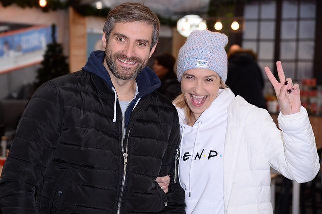 Joanna Koroniewska i Maciej Dowbor podczas akcji WF na zimowym narodowym