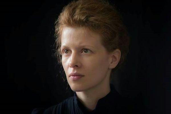 """Maria Curie"": Piotr Głowacki jako Albert Einstein"