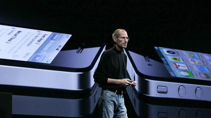 Steve Jobs nie pozwolił, by firma traciła pieniądze na rzecz konkurencji /fot. GettyImages