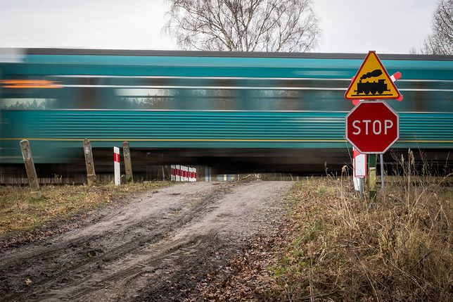 Niestrzeżony przejazd kolejowy