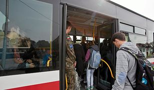 Skandal w autobusie - kontrolerzy zaatakowali czarnoskórą pasażerkę