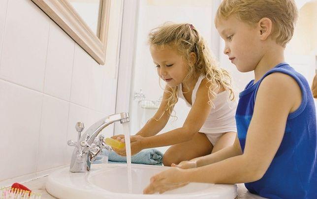 Jak urządzić łazienkę dla dzieci? Aranżacja łazienki dostosowanej do potrzeb maluchów