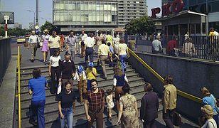 Warszawa, 1975 r. Przejście podziemne pod skrzyżowaniem ulicy Marszałkowskiej i Alej Jerozolimskich