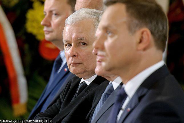 Jarosław Kaczyński cieszy się znacznie niższym zaufaniem niż Andrzej Duda