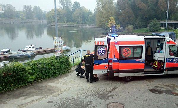 81-letnia staruszka topiła się w Wiśle. Uratowali ją policjanci