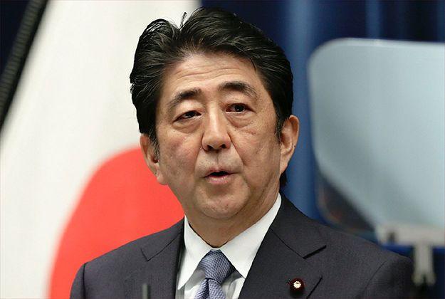 Premier Abe złożył rytualną ofiarę z okazji 70. rocznicy zakończenia II wojny światowej