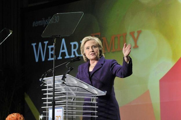 Kongresmeni polecili Hillary Clinton przekazanie prywatnych e-maili