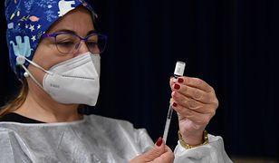 Szczepionka na COVID-19 u młodzieży. Moderna podała wyniki badań
