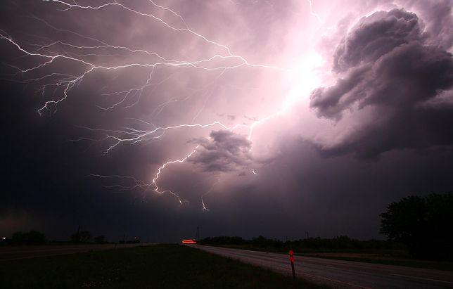 Pogoda. IMGW przestrzega przed burzami z gradem.