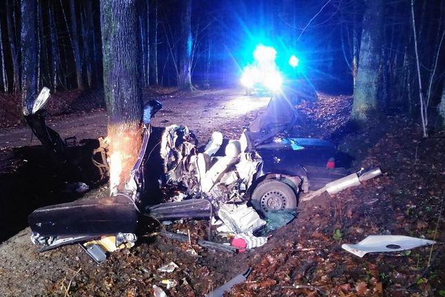 Śmiertelny wypadek na trasie Naterki - Kudypy. Zginął 22-latek