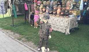 Popyt na mundury dla dzieci rośnie zwłaszcza przed świętami oraz w okresie karnawału