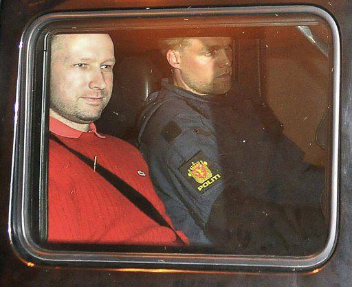 Wstrząsające rozmowy Breivika z policją podczas masakry