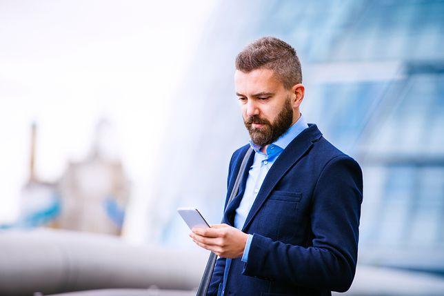 Smartfon dla mężczyzny z szybkim Internetem - Samsung Galaxy J3