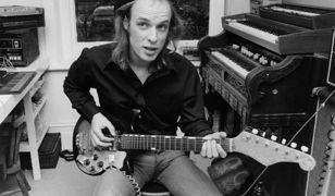 """Jak brzmi kosmos? Odpowiedź dał nam album """"Apollo"""" Briana Eno, ojca muzyki ambientowej"""
