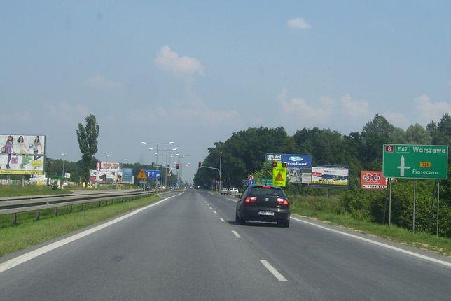 DK8 biegnie z południowo-zachodniej do północno-wschodniej części Polski