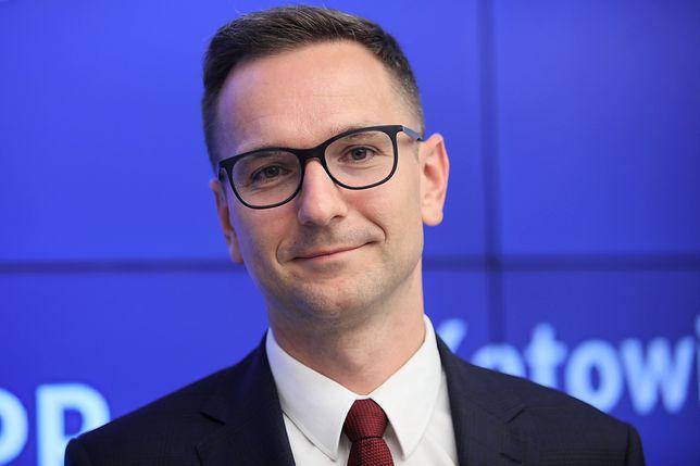 Wybory parlamentarne 2019. Ulotki wyborcze wiceministra PiS w łódzkiej katedrze