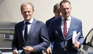 """Donald Tusk spotkał z posłami KO. """"Idziemy bić się z PiS"""""""
