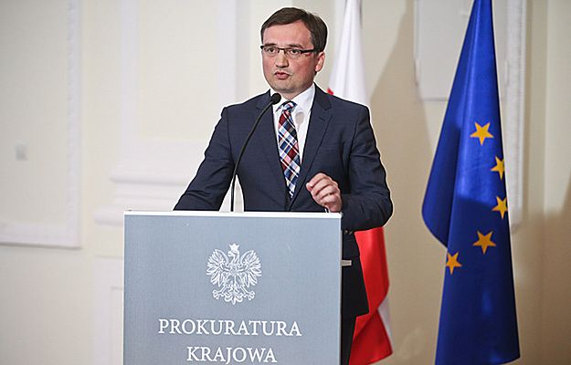 """Zbigniew Ziobro: prokuratura miała obowiązek wszcząć postępowanie w sprawie użycia logo """"S"""""""