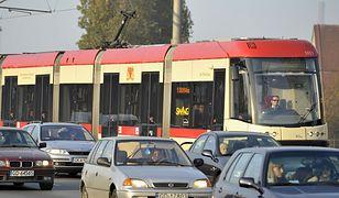 Na zdjęciu tramwaj, któremu patronuje Jan Heweliusz