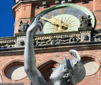 Zabytkowy zegar na gdańskim ratuszu