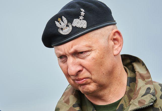 """""""Irracjonalne"""". Generał Mirosław Różański potępia pomysły Mariusza Błaszczaka"""