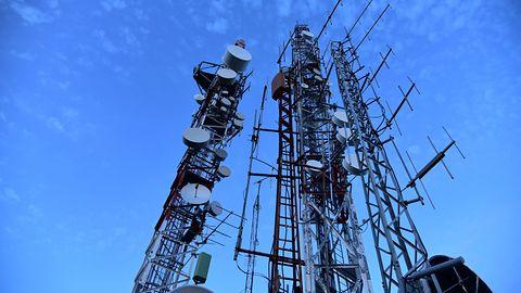 W Polsce kończy się przepustowość internetu mobilnego. Wyższe limity PEM są konieczne