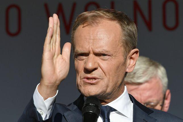 Donald Tusk podczas przemówienia na Długim Targu w Gdańsku. 4 czerwca 2019 roku.