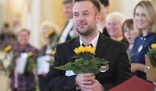 """Przemysław Staroń podczas gali wręczenia nagród dla najlepszego """"Nauczyciela Roku 2018""""."""