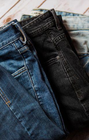Jeansy są uniwersalnymi spodniami, a co powiesz na balloon jeans?
