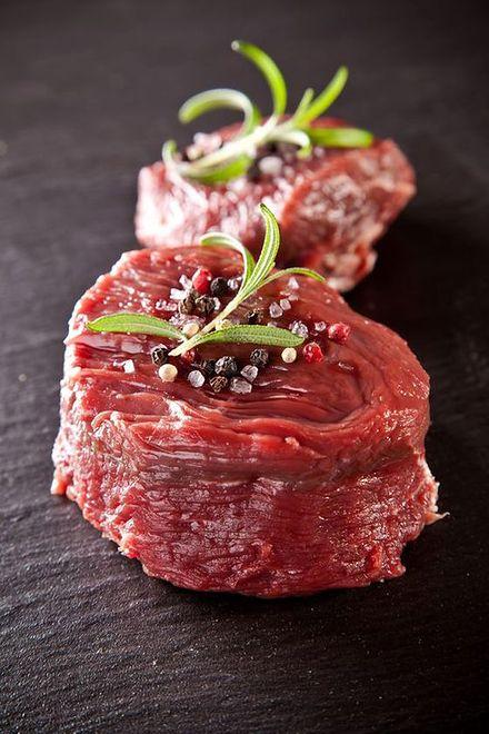 """Produkujemy tony wołowiny, większość jedzie na Zachód. """"Polskie Mięso"""" chce to zmienić"""