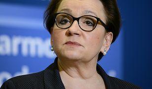 Minister Anna Zalewska zbanowała na Facebooku zasłużonych nauczycieli