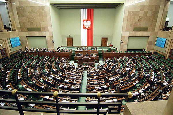"""PiS w projekcie uchwały oskarża Putina o """"zamach na cywilny samolot"""""""
