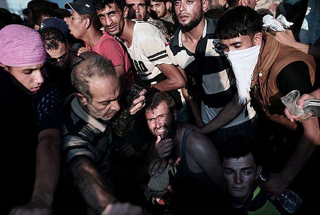 Starcia imigrantów z policją na wyspie Lesbos w Grecji