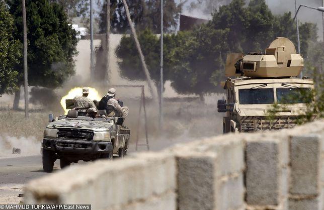 Co najmniej 40 osób zginęło w ataku na areszt dla imigrantów w Libii