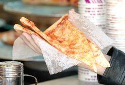 """Podwójna pizza nowojorska. Przepis z filmu """"Gorączka sobotniej nocy"""""""